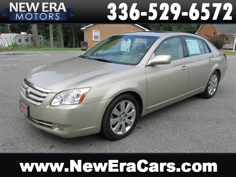 2005 Toyota Avalon XLS Leather! Nice! for sale by dealer