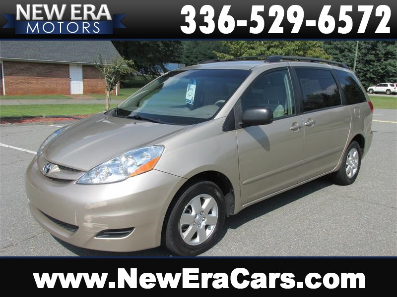 2008 Toyota Sienna LE Nice! Clean! for sale by dealer