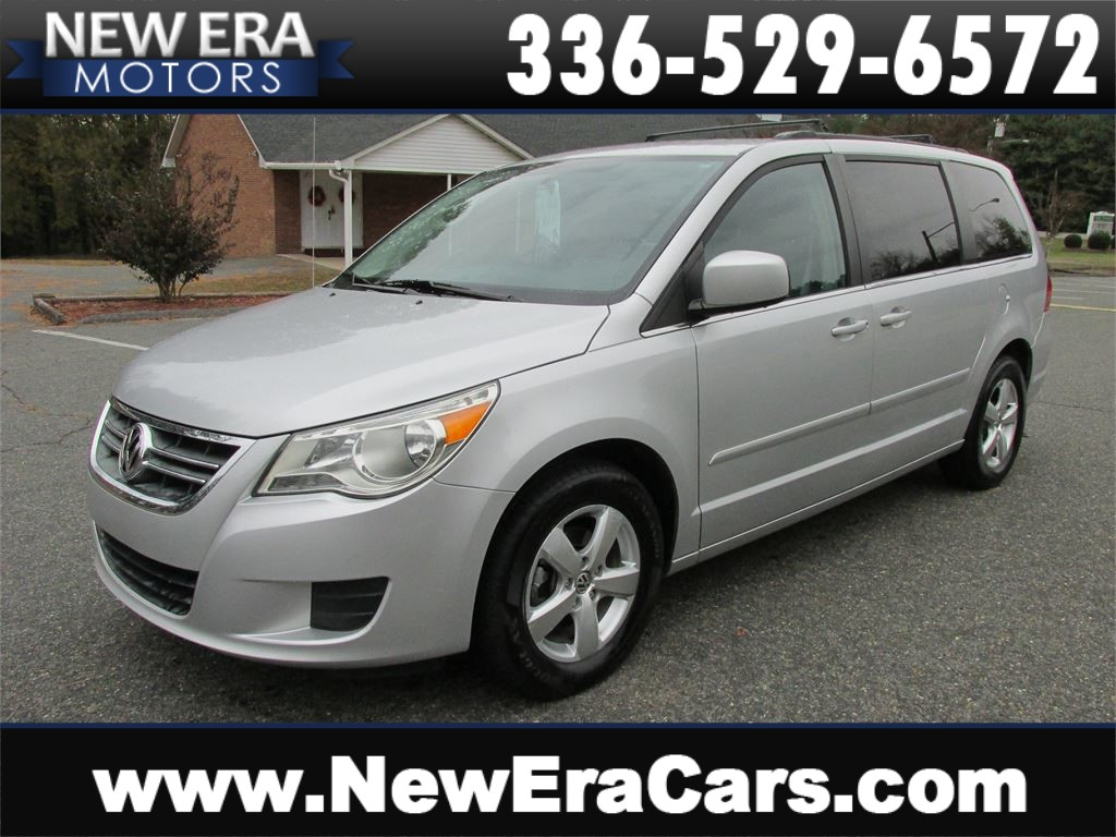 2011 Volkswagen Routan SE DVD! Leather! Nice! Winston Salem NC