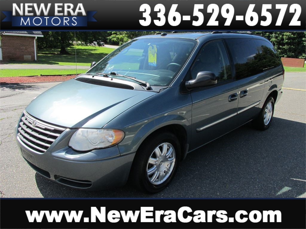 2005 Chrysler Town & Country Touring Cheap! Nice! for sale by dealer