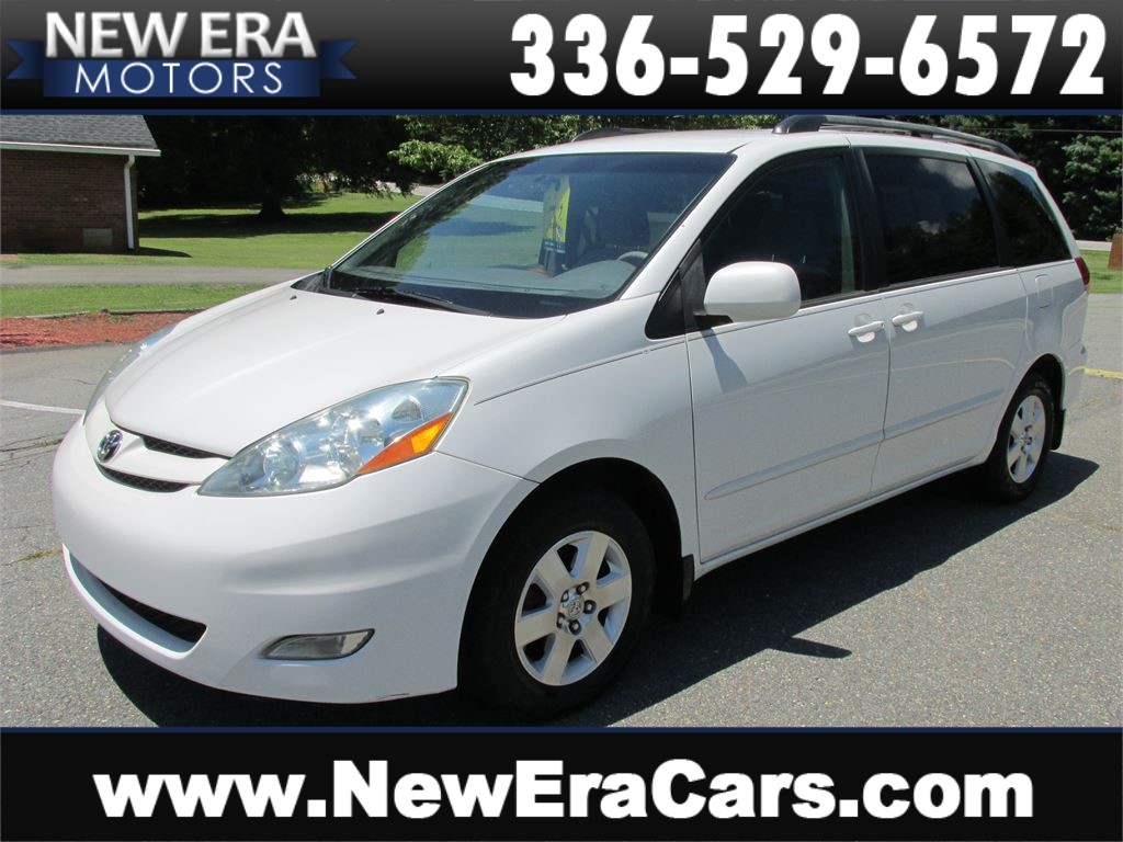2006 Toyota Sienna XLE Nice! Cheap! for sale by dealer