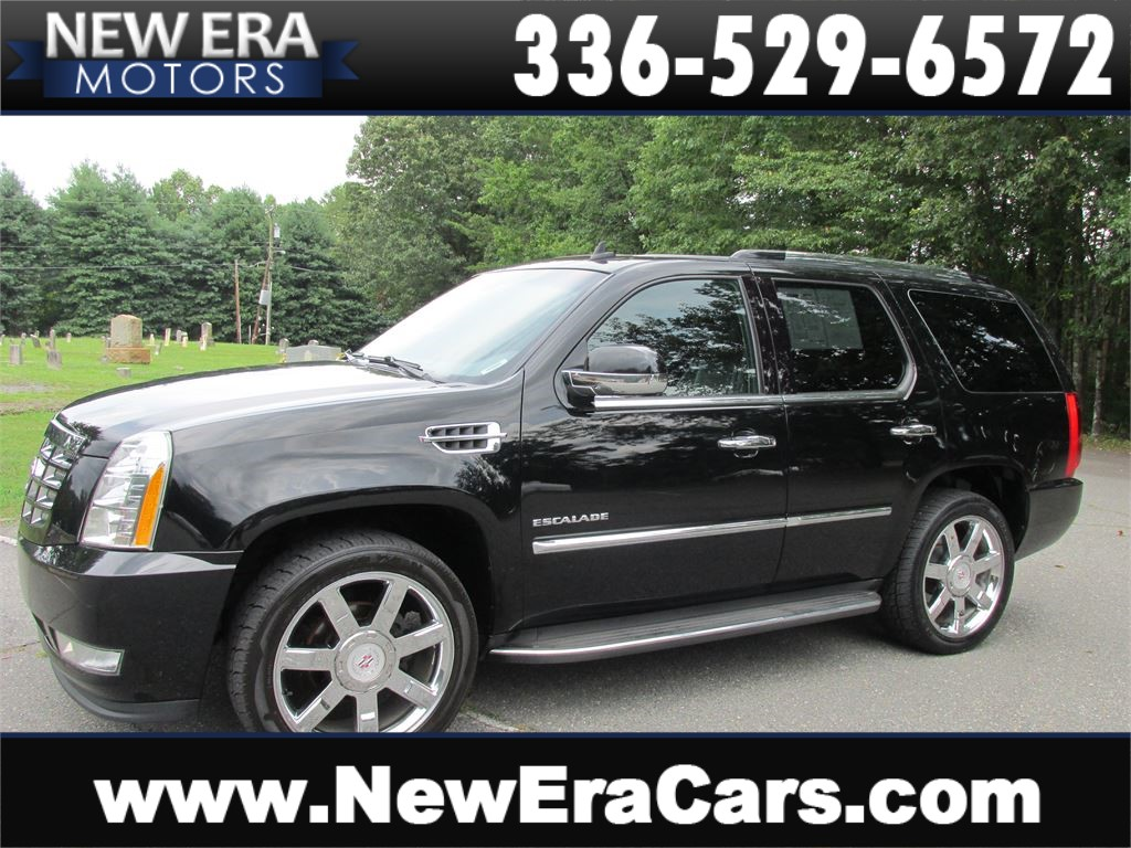 2010 Cadillac Escalade AWD Luxury 3rd Row! Loaded! for sale by dealer