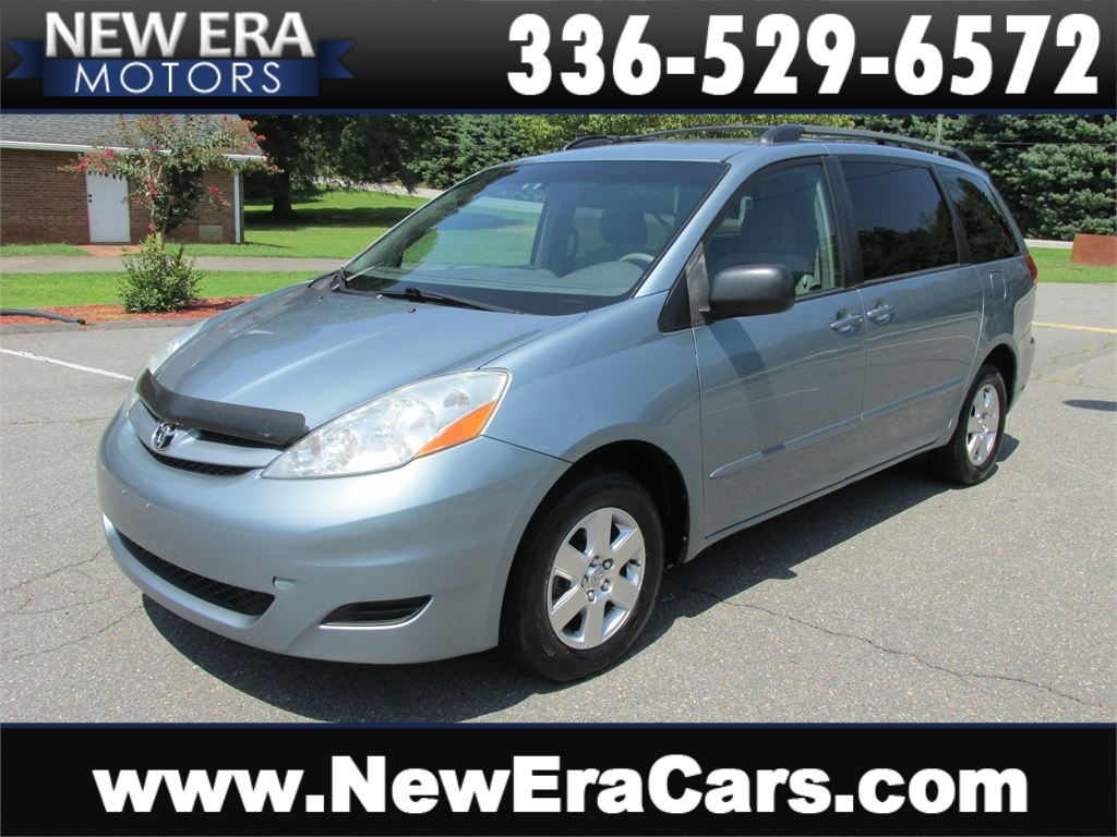 2006 Toyota Sienna LE Cheap! Clean! for sale by dealer